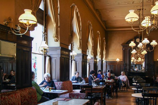 Café Sperl, Vienna - Photo courtesy Kotomi_